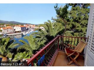 St. apartment Darinka 6 - Vrboska vacation rentals