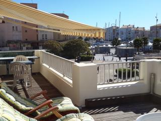 Superb 1 Bed Apartment + Terrace with Port Views - Cap-d'Agde vacation rentals