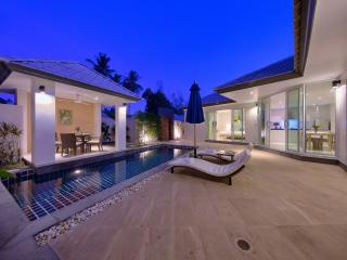 Charming Villa with Internet Access and A/C - Lipa Noi vacation rentals