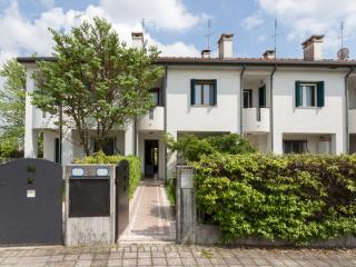 Porzione di villetta a schiera di 150 mq - Padua vacation rentals