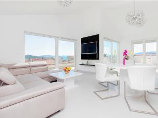 Luxury penthouse , villa Royal A6 - Srima vacation rentals