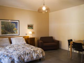 Cozy Scanzorosciate Studio rental with Housekeeping Included - Scanzorosciate vacation rentals