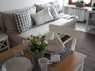 1 bedroom Apartment with Housekeeping Included in Negrar - Negrar vacation rentals