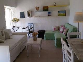 """Breeze"" Sea view summer house in Paros for 2-3 - Parikia vacation rentals"