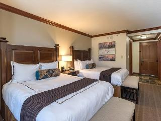 2 Queens Unit Resort at Squaw Creek Sleeps 4 Stunning Valley View - Olympic Valley vacation rentals