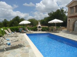 Villa Kambosa, 3 Bedroom, 3 Bathroom,Simou. - Polis vacation rentals