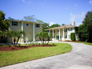 """New Listing"" Dolphin Cove Villa Waterfront Estate - Clearwater vacation rentals"