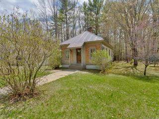 3BR North Conway cottage 1 min to Cranmore! - North Conway vacation rentals