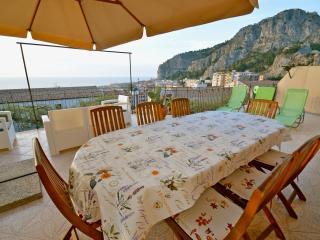 VILLA VITTORIA - Appartamento Diamante - - Cefalu vacation rentals