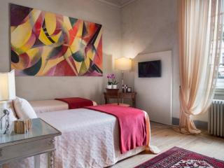 Roncioni Palace luxury Apt in Pisa historical cent - Pisa vacation rentals