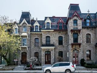 Luxury, confort and space in an extraordinary - Montreal vacation rentals