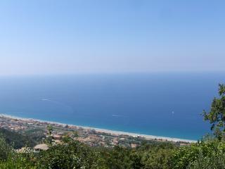 Sunny 2 bedroom Villa in Belmonte Calabro - Belmonte Calabro vacation rentals