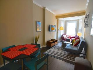 Furnished 2-Bedroom Apartment at N Clark St & North Broadway Chicago - Humboldt vacation rentals