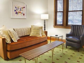Furnished 3-Bedroom Apartment at N Leavitt St & W Palmer St Chicago - Chicago vacation rentals
