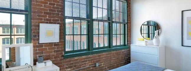 SOPHISTICATED FURNISHED 1.5 BEDROOM, 1 BATHROOM HOME - Image 1 - Waltham - rentals