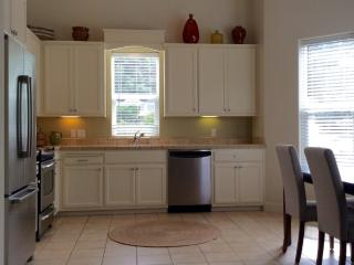 Furnished 3-Bedroom Condo at Geyserville Ave & School House Ln Geyserville - Geyserville vacation rentals