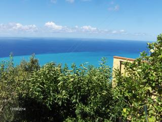 Lovely House with Central Heating and Long Term Rentals Allowed - Belmonte Calabro vacation rentals