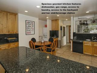 Los Angeles 1 and 2 Bedroom Apartment - So Much Better Than a Hotel! - Lucerne vacation rentals
