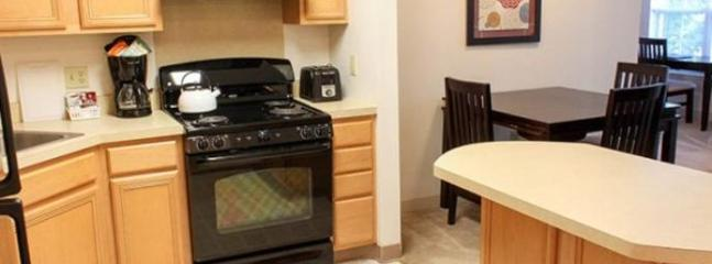 BEAUTIFULLY FURNISHED 2 BEDROOM, 2 BATHROOM APARTMENT - Image 1 - Seattle - rentals