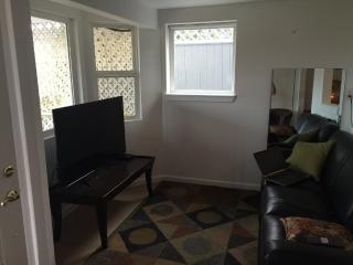 Furnished 1-Bedroom Apartment at Soundview Dr & Grandview Pl Gig Harbor - Gig Harbor vacation rentals