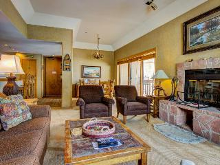 Skier's dream w/ski-in/out access, hot tub, pool, & more! - Durango vacation rentals