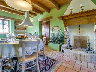Gorgeous condo w/ seasonal shared pool & hot tub, quiet countryside location - Senigallia vacation rentals