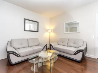 2 bedroom Condo with Internet Access in Long Island City - Long Island City vacation rentals