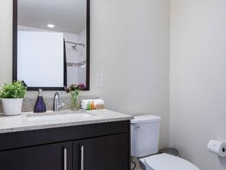 2 bedroom Apartment with Internet Access in Jersey City - Jersey City vacation rentals