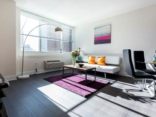 Gorgeous Apartment in Jersey City with 2 Bedroom and 2 Bathroom - Jersey City vacation rentals