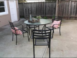 Furnished 2-Bedroom Home at 6th St & Taylor Ave Alameda - Alameda vacation rentals