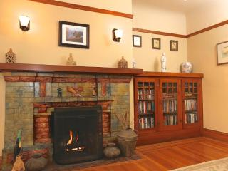 Stunning 2 Bedroom, 1 Bathroom Home in Glen Park - Laundry in Unit - Forest Knolls vacation rentals