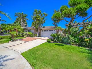Luxurious 4 Bedroom Apartment w/ Spa and Pool - Garden Grove vacation rentals