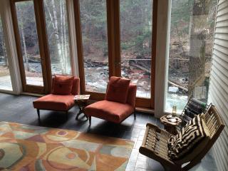Architect design farmhouse-historic Warren Village - Warren vacation rentals