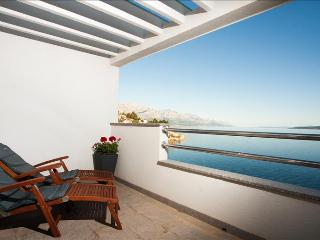 Coral Penthouse with stunning view - Mimice vacation rentals