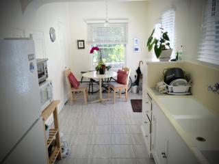 Furnished Studio Apartment at University Ave & Webster St Palo Alto - Green Bay vacation rentals