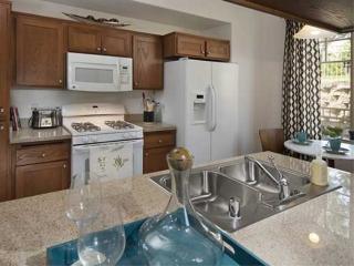 Furnished 1-Bedroom Apartment at Oak Creek Ln & Medea Ln Agoura Hills - Agoura Hills vacation rentals