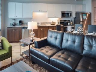 Stay Alfred Perfect Location Near Gaslamp and Petco Park L72 - San Diego vacation rentals