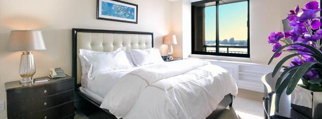 Beautiful 2 Bedroom, 2 Bathroom Apartment - Image 1 - New York City - rentals