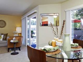Furnished 2-Bedroom Apartment at Professional Center Pkwy & Channing Way San Rafael - San Rafael vacation rentals