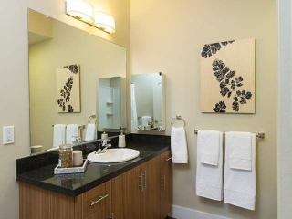 Furnished 2-Bedroom Apartment at Saratoga Ave & Blackford Ave San Jose - San Jose vacation rentals