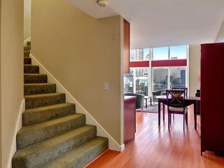 Stunning Top-Floor Loft with Dazzling Views Through Floor-to-Ceiling Windows! - Seattle vacation rentals