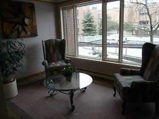 Executive 3 bd 3 ba condo 10 min to downtown, pkg. - Ottawa vacation rentals