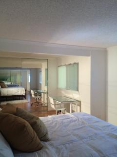 Furnished 1-Bedroom Condo at Mountain Blvd & Keller Ave Oakland - Oakland vacation rentals