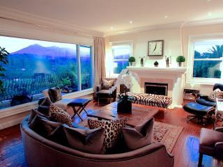 Furnished 4-Bedroom Home at Fairhills Dr & Pepper Way San Rafael - San Rafael vacation rentals