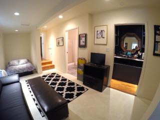 Furnished Studio In-Law at Laurel Canyon Blvd & Percival Ln Los Angeles - West Hollywood vacation rentals