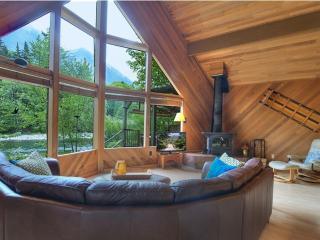 Wonderful Dream House - 2 Bedroom, 2.5 Bathroom Furnished Apartment - Gold Bar vacation rentals