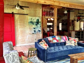 1 bedroom House with Internet Access in Uvalde - Uvalde vacation rentals