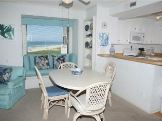 Cozy 3 bedroom Apartment in Atlantic Beach - Atlantic Beach vacation rentals