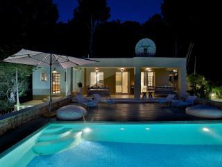 Villa de lujo en la playa de Salinas Ibiza - Ibiza Town vacation rentals