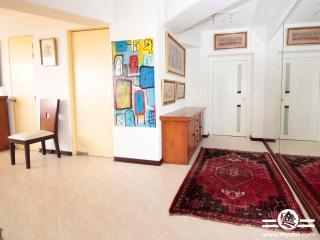 Safe great location, oceanfront , sleeps 6 - Miraflores vacation rentals